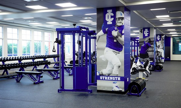 Bellatti fitness center facilities illinois college athletics
